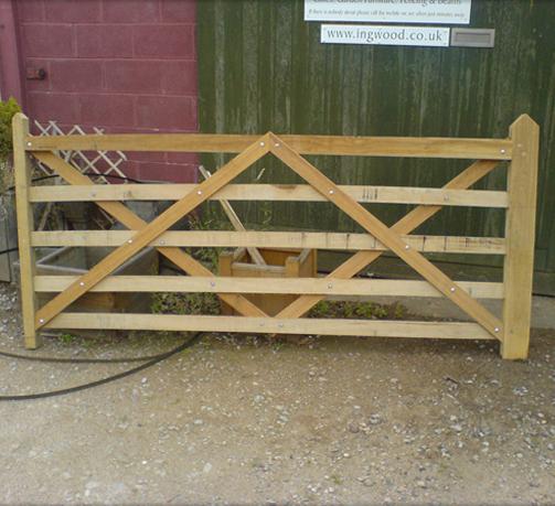 Oak field gate up to 2 75m - 9ft