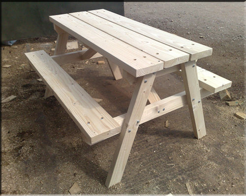 SOFTWOOD Heavy duty picnic table 5'-1.5m