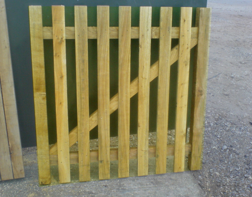 Softwood paled wicket - up to 4' (1.2m)