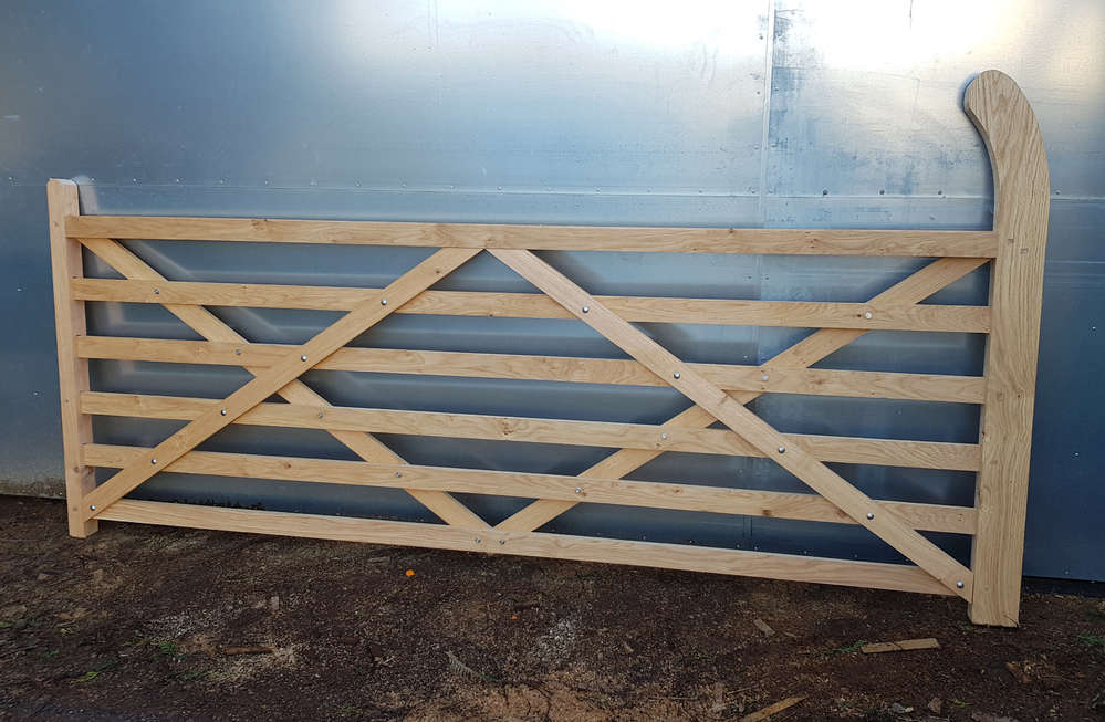 Kingscote Oak 6 bar entrance gate up to 2 75m - 9ft wide - ingestre